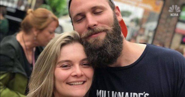 INCENDIUL din California: Un tânăr a găsit în casa părinților săi, distrusă de foc, inelul cu care voia să-şi ceară în căsătorie iubita (FOTO/VIDEO)