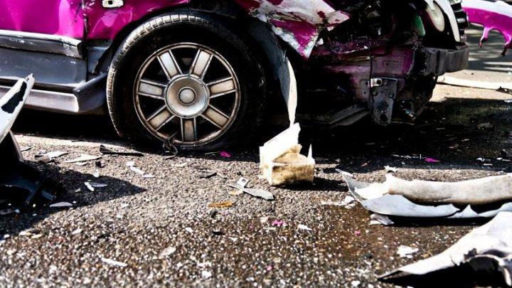 STRIGĂTOR LA CER. O femeie, jefuită în timp ce zăcea paralizată între fiarele mașinii cu care făcuse accident