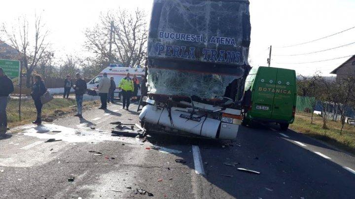 GRAV ACCIDENT în România: O persoană a murit și alte patru au fost rănite