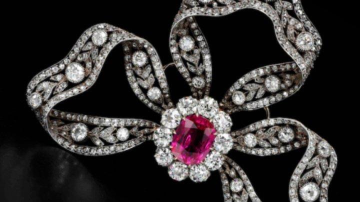 O bijuterie care a aparţinut Mariei Antoaneta a fost vândută la licitaţie cu 36 de milioane de dolari