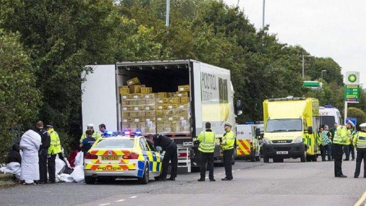 15 copii, găsiţi ascunşi într-un camion frigorific, condus de un român. Şoferul a fost arestat