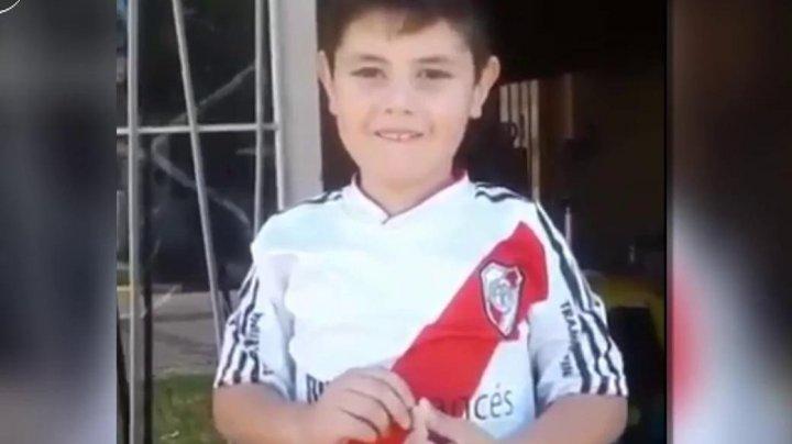 Un copil de 6 ani a a vrut să-și vândă jucăriile pentru un bilet la meci. Ce a urmat E SURPRINZĂTOR