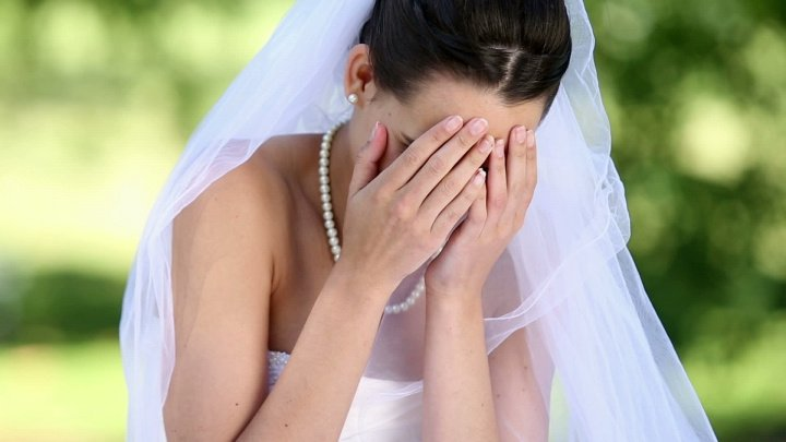 SURPRINZĂTOR! Ce a făcut o mireasă care a aflat cu o zi înainte de nuntă că partenerul o înşeală