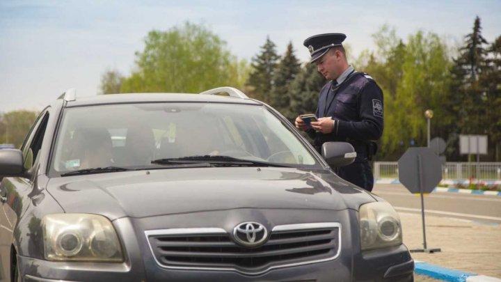 Situaţia la frontieră, în ultimele 24 de ore: 14 de conducători auto au ignorat regulile de folosire a vinietelor