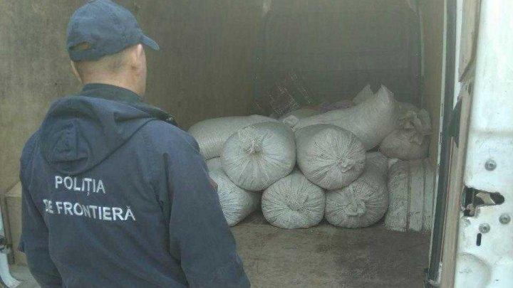 Mai multe bunuri, fără acte de proveniență, depistate la vamă. Un moldovean și un ucrainean, implicați