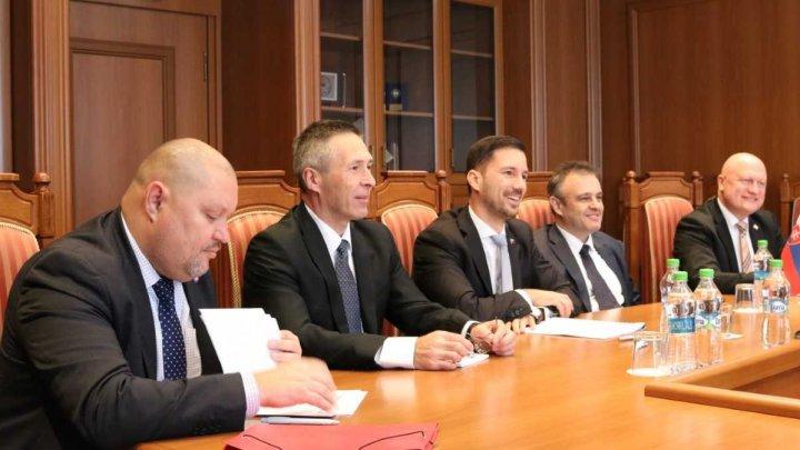 Relaţiile moldo-slovace discutate la MAEIE în cadrul consultărilor bilaterale