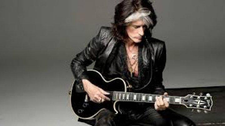 Chitaristul trupei Aerosmith, ajuns în spital, după ce S-A PRĂBUŞIT în culise
