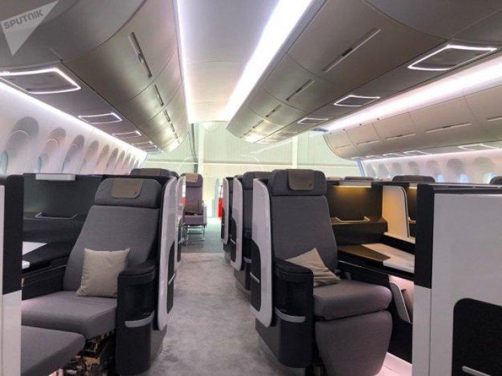 Chinezii şi ruşii au dezvăluit macheta unui avion de pasageri care va concura cu Airbus şi Boeing (FOTO)