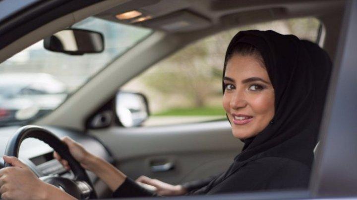 Femeile din Arabia Saudită pot munci în calitate de şofer de taxi pentru familii