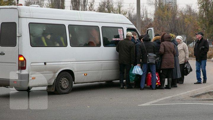 Poliția Capitalei s-a autosesizat în urma știrii despre înghesuiala în microbuze, scrisă de PUBLIKA. Ce pedeapsă riscă șoferii