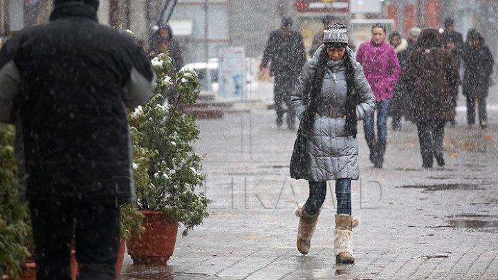Codul Galben se îndreaptă spre Moldova? AVERTIZARE METEO de VREME RECE, ninsori şi viscol