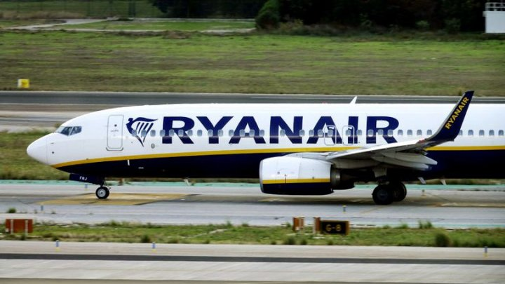 O poză le-a adus DEMISIA. Şase angajaţi ai companiei Ryanair, CONCEDIAŢI dintr-un motiv surprinzător (FOTO)