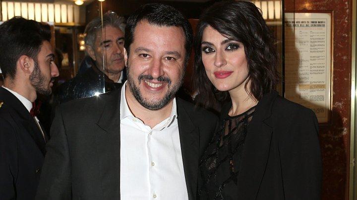 "Vicepremierului italian Matteo Salvini i s-au dat ""papucii"" pe... Instagram"