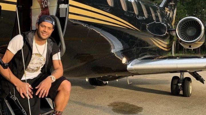 Hulk a publicat pe reţelele de socializare poze cu noul său avion. Cum arată