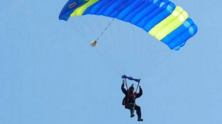 Paraşutist român, MORT în Alpi. Paraşuta nu i s-a deschis