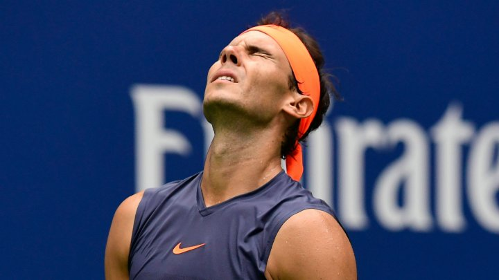 Rafael Nadal l-a învins pe Federer şi va disputa finala de la Roland Garros