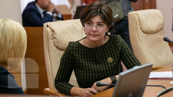 Surpriza care o aştepta pe Silvia Radu la Sângerei. Reacţia ministrului: Nu eram îmbrăcată adecvat (FOTO)