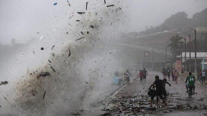 Uraganul Dorian se îndreaptă spre Florida. Peste un milion de oameni, evacuați