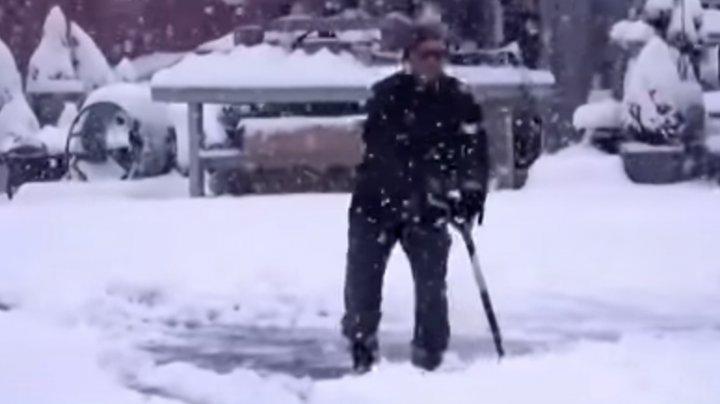 La New York şi Washington A NINS ABUNDENT (VIDEO)