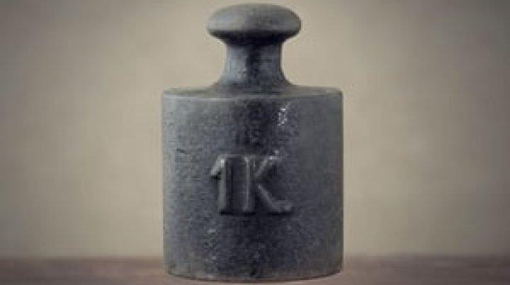 Kilogramul a pierdut în greutate. Unitatea de măsură se va recalcula în Franţa
