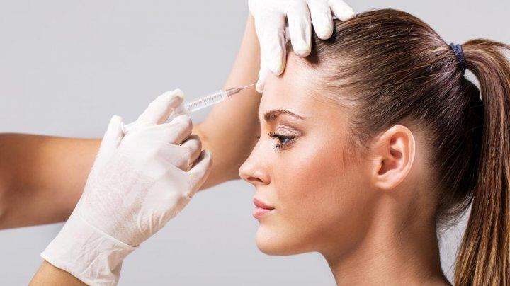 O femeie din China a murit după ce și-a injectat 16 doze de botox