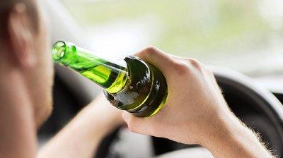 GATA CU ALCOOLUL LA VOLAN. Ce spun șoferii despre ridicarea permiselor celor prinși beți