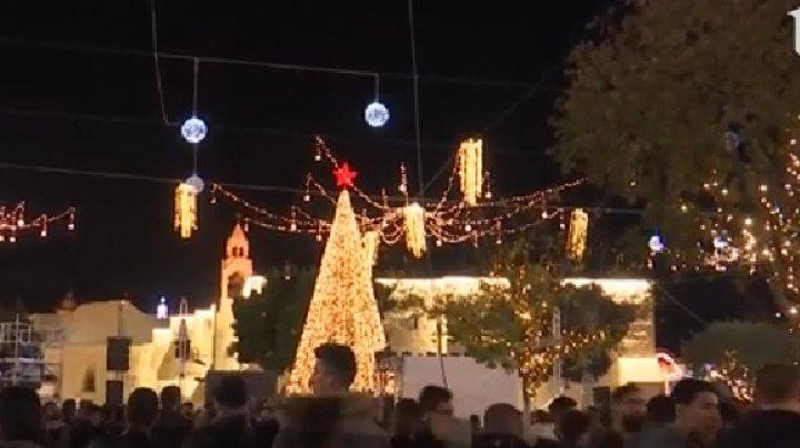 Luminiţele de Crăciun s-au aprins şi în Bethleem, oraşul naşterii Mântuitorului, din Cisiordania