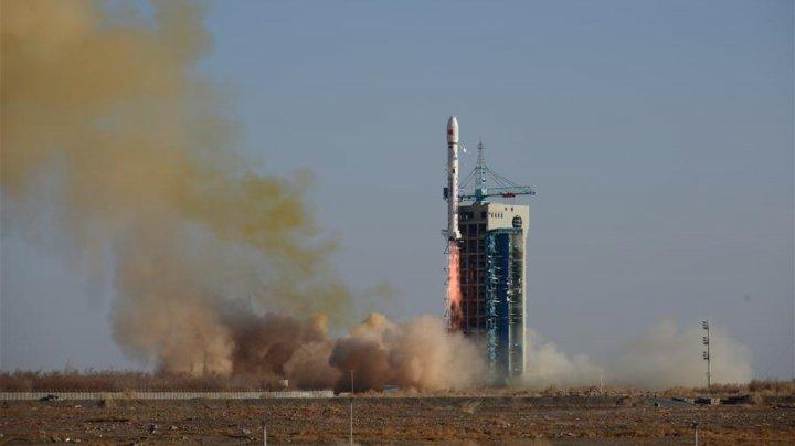 Un modul spaţial chinez se află în faza de poziţionare pentru a aseleniza pe faţa nevăzută a Lunii