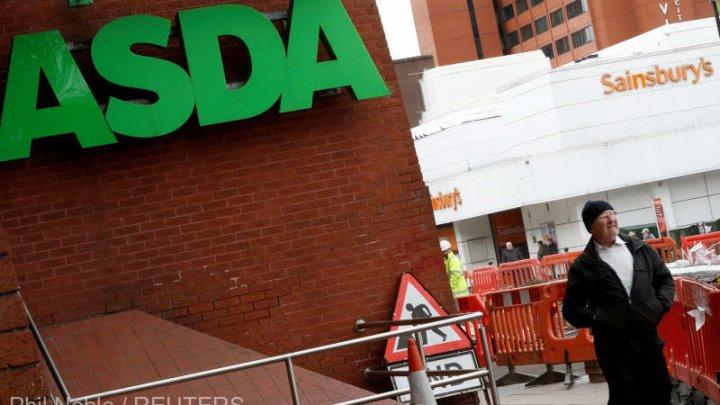 Poliţia britanică a evacuat un supermarket Asda din cauza unui pachet suspect