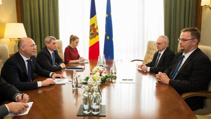 Premierul Pavel Filip s-a întâlnit cu ambasadorul Poloniei în ţara noastră, Bartlomiej Zdaniuk
