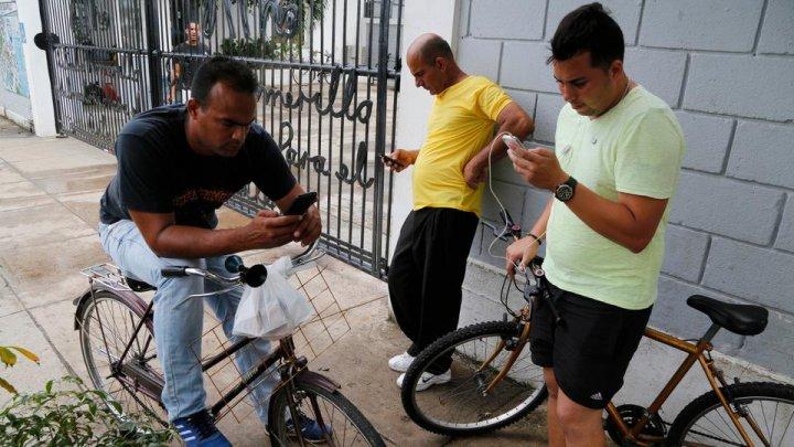 Cubanezii vor avea, în sfârşit, acces la internet pe telefoanele mobile