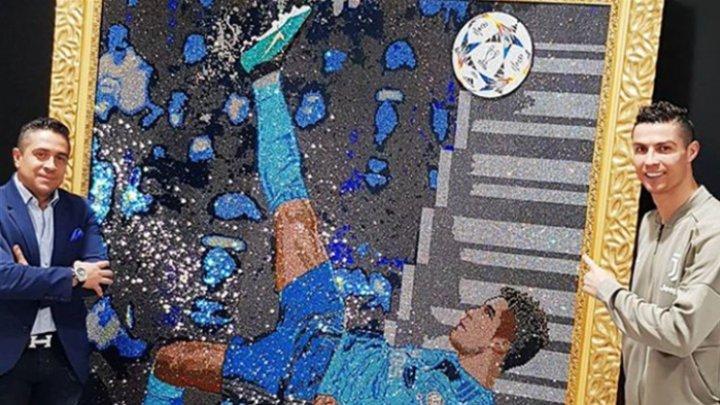 Ronaldo în pietre Swarowski. Un renumit pictor columbian a fost inspirat de golul din foarfecă a fostbalistului în meciul cu Juventus