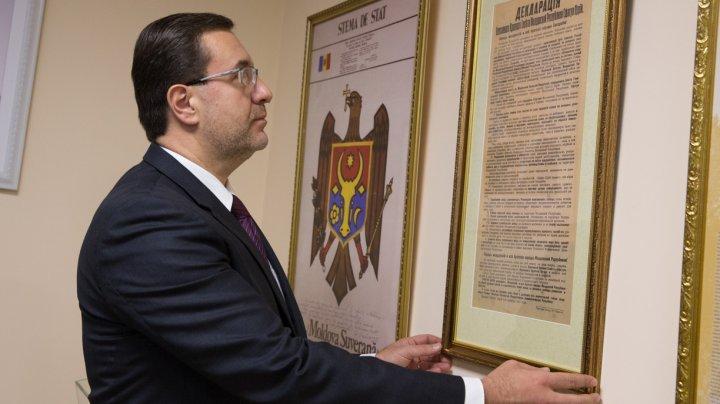 Marian Lupu a donat muzeului Parlamentului un document istoric