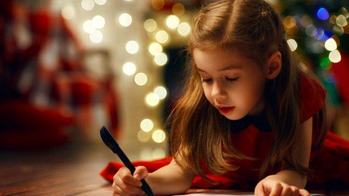 Scrisoarea emoţionantă a unei fetiţe pentru Moş Crăciun. Ce i-a cerut micuţa moşului