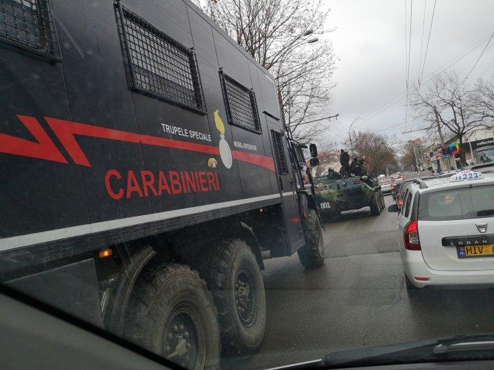Şoferii din Chişinău, speriaţi de poliţiştii pe blindate (GALERIE FOTO/VIDEO)