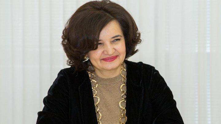 Ministrul Educaţiei, Culturii şi Cercetării, Monica Babuc a predat o lecţie într-o şcoală din Călăraşi