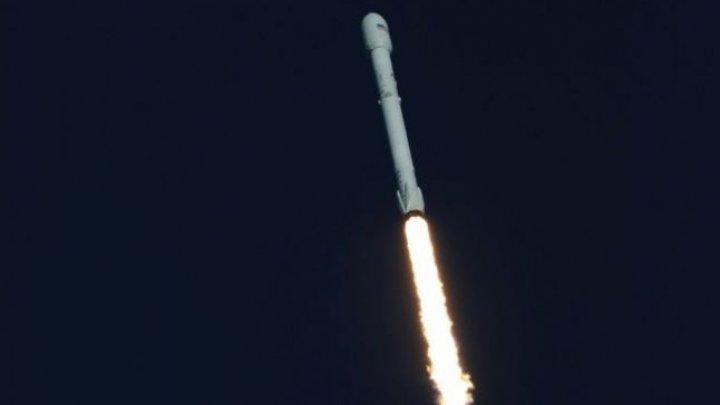 O rachetă SpaceX Falcon 9 s-a prăbuşit în Oceanul Atlantic. A ratat aterizarea la Cape Canaveral