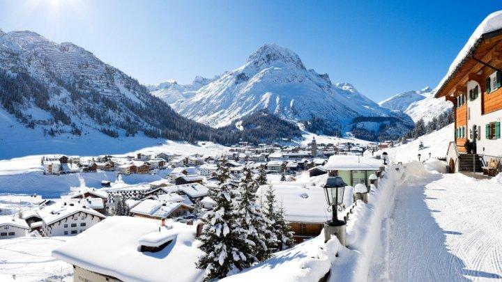 Vremea rea face ravagii în Austria. Val masiv de ninsori, avalanșe și inundații