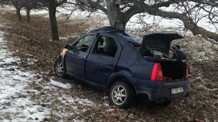 Familie distrusă într-un accident grav în apropierea satului Gura Galbenei. Doi soţi au murit, iar fetiţa lor de cinci ani, dusă la spital (FOTO)