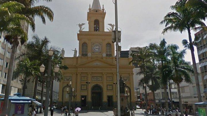ÎMPUŞCĂTURI într-o catedrală din orașul brazilian Campinas: Mai multe persoane, omorâte în timp ce se rugau