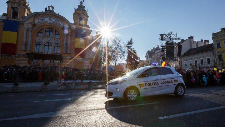 Oraşul în care poliţiştii patrulează cu maşini electrice. Agenţii au şi biciclete electrice (VIDEO)