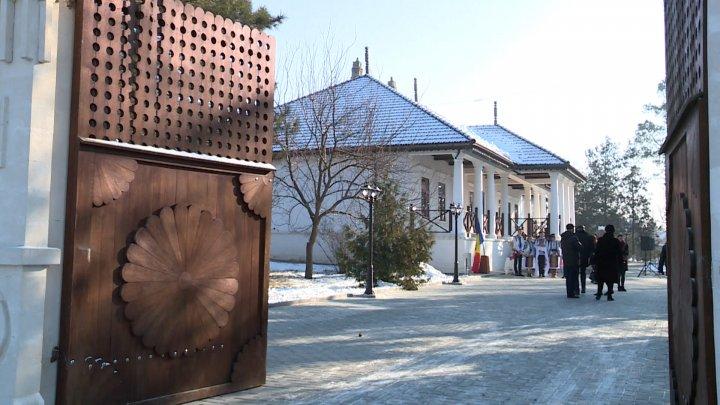 Istoria a prins viaţă la Orhei: În localitate a fost inaugurat unul dintre cele mai vechi conace