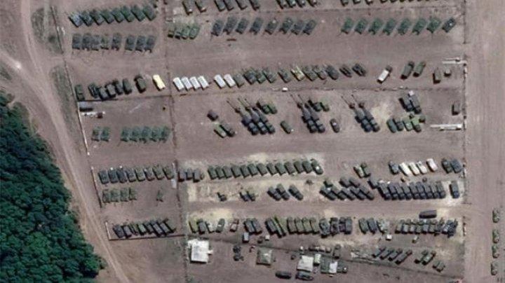 Rusia concentrează trupe și tehnică militară la granița cu Ucraina (IMAGINI DIN SATELIT)