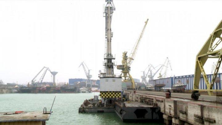ALERTĂ: Un marinar de pe o macara plutitoare a dispărut în Dunăre