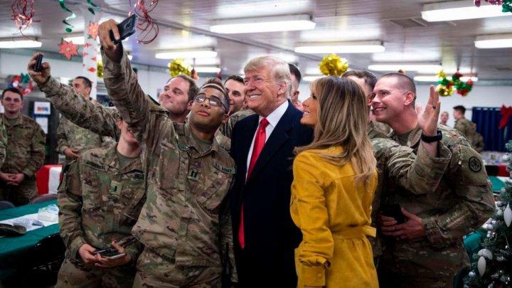 Donald Trump a dezvăluit, din greşeală, identitatea soldaţilor şi localizarea Navy Seals în Irak