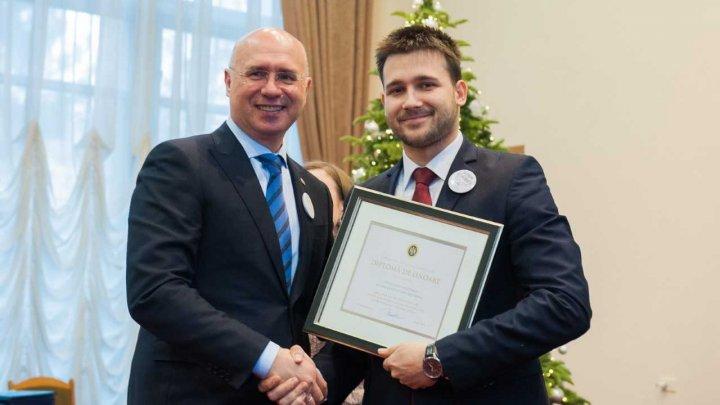 GALA VOLUNTARILOR 2018: Cei mai activi tineri din ţară au fost premiaţi