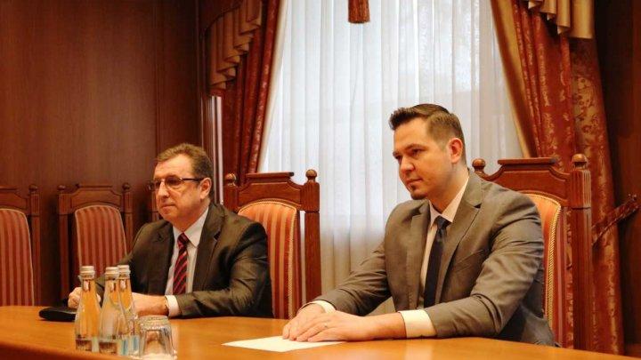 Relaţiile dintre Republica Moldova şi Statele Unite, discutate de către Tudor Ulioanovschi şi asistentul adjunct al Secretarului de Stat al SUA