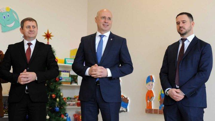 Pavel Filip, la redeschiderea grădiniței din Drăgușeni: Nu putem vorbi despre un viitor al acestei țări, fără a ne gândi la condițiile pe care le oferim copiilor noștri