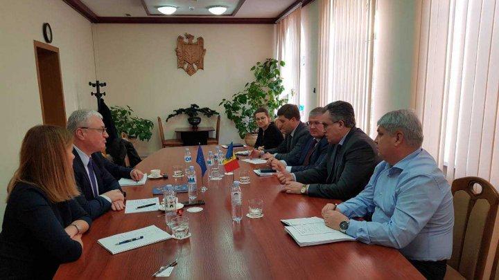Modernizarea managementului frontierei, discutată în cadrul întâlnirii dintre conducerea Vămii din Moldova și EUBAM