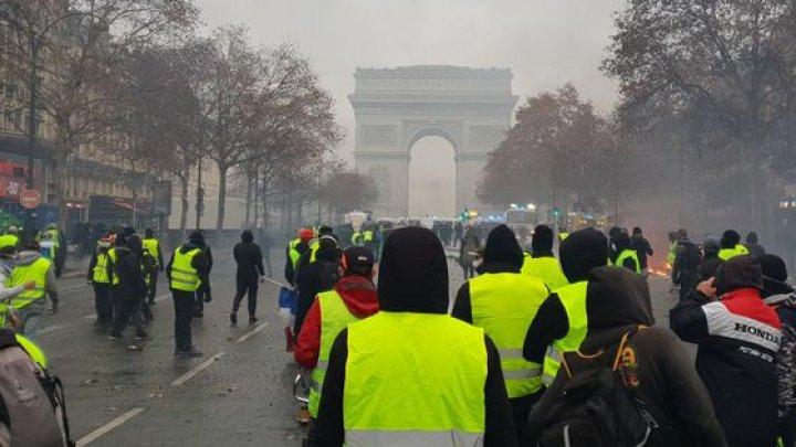 Condamnați pentru acte VIOLENTE la PROTESTELE din Paris. Mai multe persoane și-au primit pedeapsa